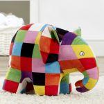 Jucarie din plus cu sunete Elefantul Elmer, 20 cm